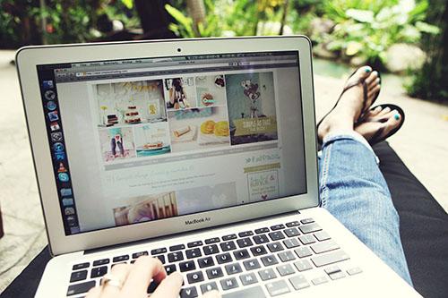 blogging_satelite